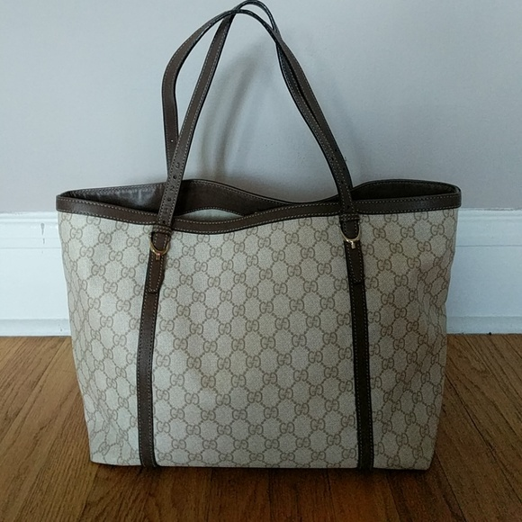 147cd922e70 Gucci Handbags - Gucci Nice GG Supreme Canvas and Brown Leather Tot